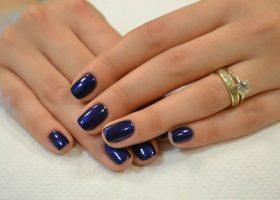 Psihologia culorii albastru în manichiură!