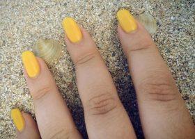Psihologia culorii galben în manichiură!