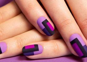 Psihologia culorii violet in manichiura!