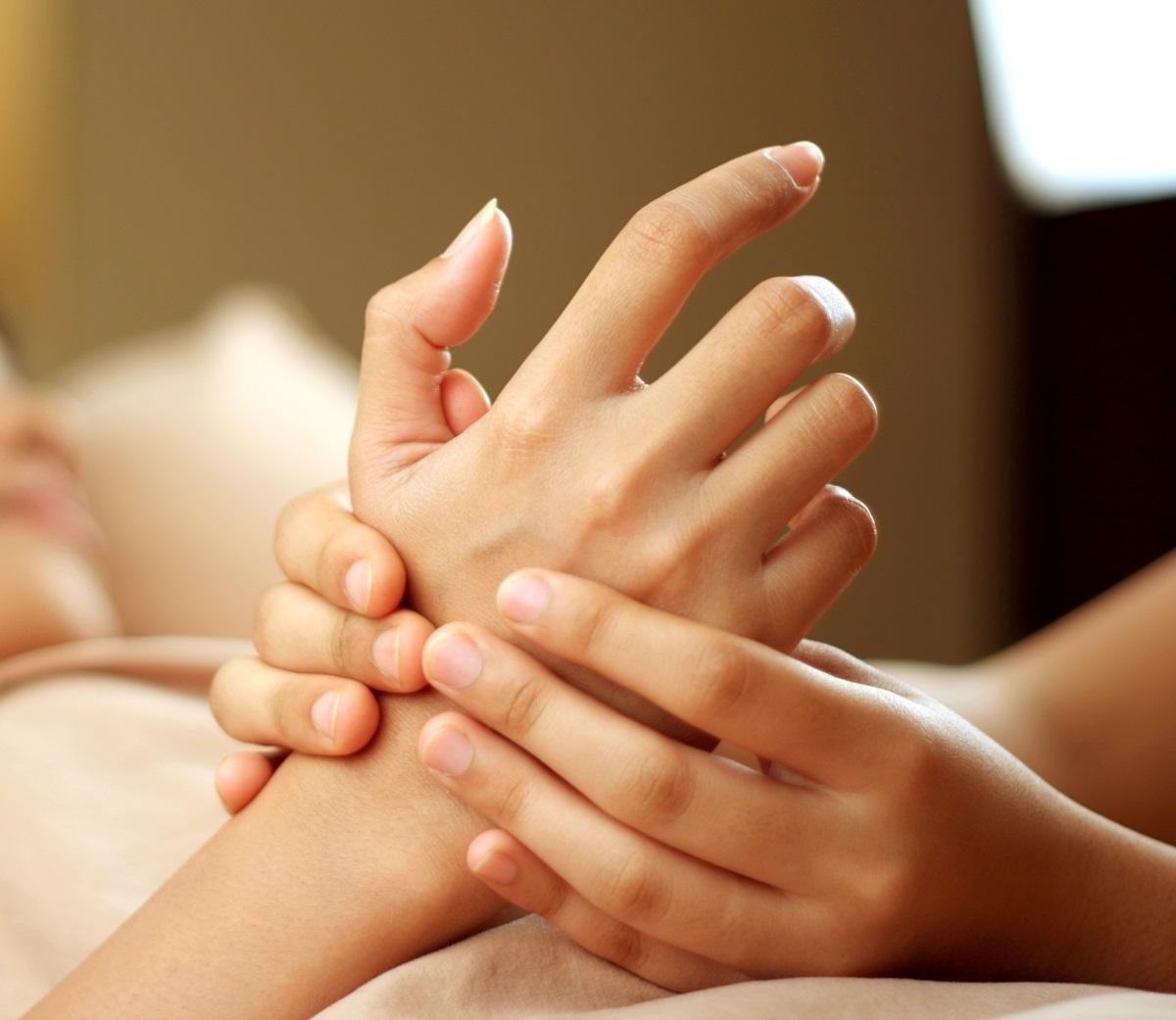 articulațiile degetelor mâinilor unui masaj cum să scapi de durere în articulațiile piciorului