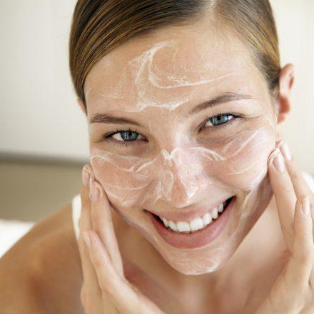 Cum folosesti crema de protectia solara cu machiaj?