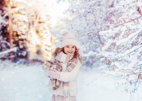 10 sfaturi pentru a vă păstra copiii sănătoși pe timpul iernii