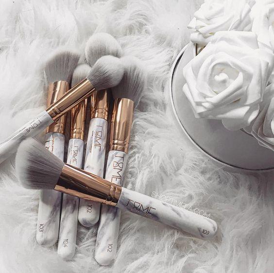 Pensule makeup
