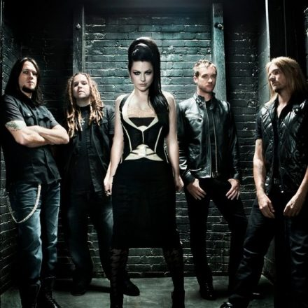 Evanescence – Everybody Fool – Versuri