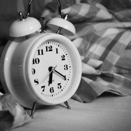 12 lucruri pe care trebuie să încetați să le faceți dimineața