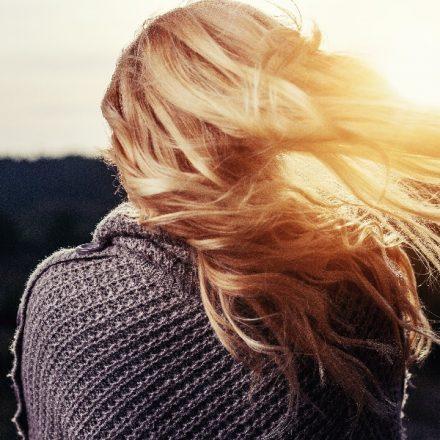 Cum să readuceți la viață părul uscat și fragil