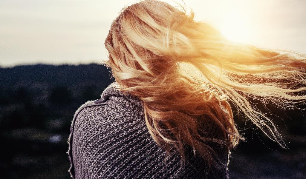 Cum să remediați părul uscat și fără viață