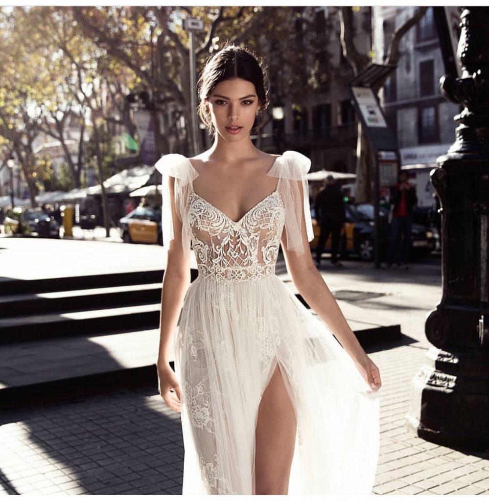 Cele mai superbe accesorii si rochii pentru viitoarele mirese