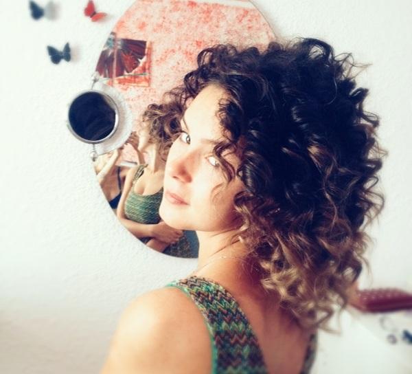 5 Modalitati ridicol de usoare pentru a-ti usura vara in tendite de make-up
