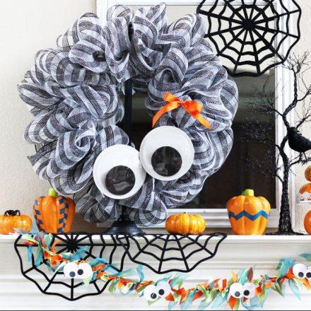 22 de coroane de Halloween înfricoșătoare pentru designul casei tale