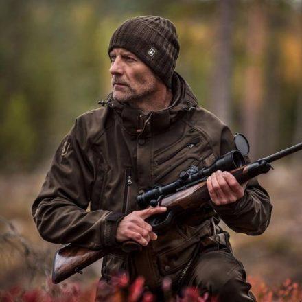 Ești pasionat de vânătoare? Încearcă echipamentele Deerhunter