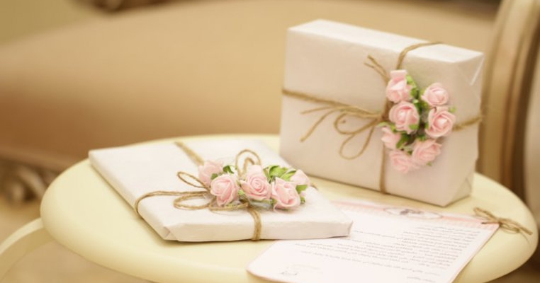 Ce cadouri iși doresc femeile de 8 Martie?