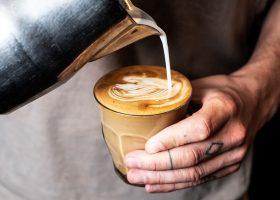 Ce este cafeina? Buna sau rea pentru sanatate?