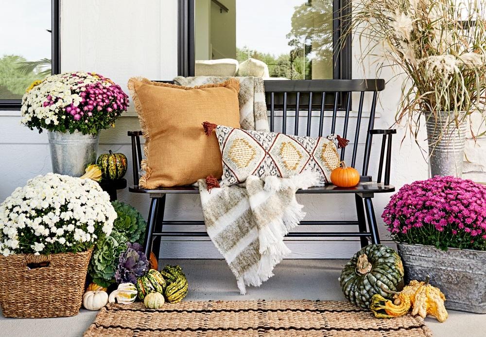 Crizanteme pe veranda